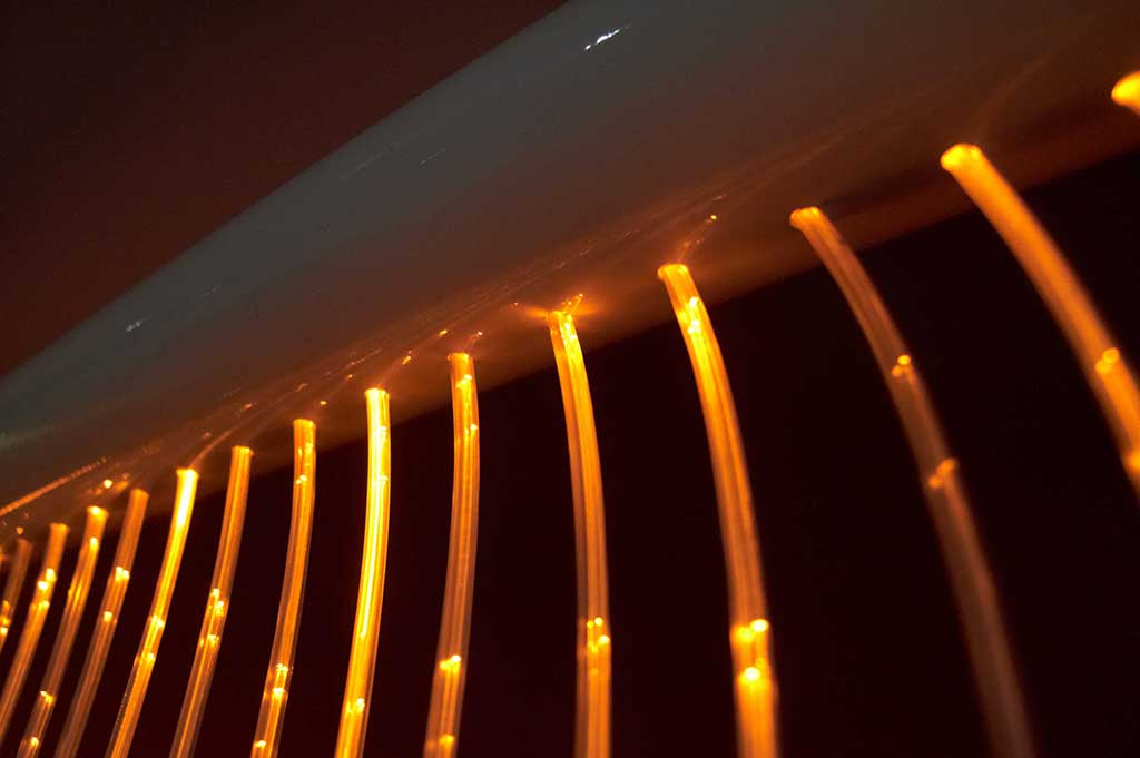 fibre optic sensory wall cascade with built-in led light source